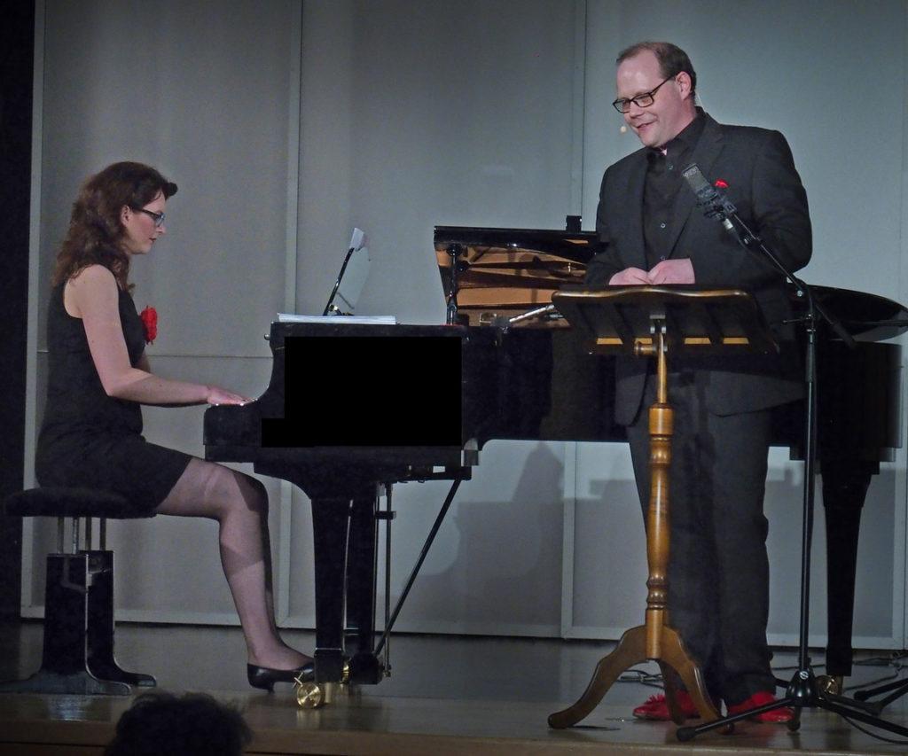 Einfach toll: Sebastian Köchig und Alice Graf verzauberten Schwarzenbrucker Bürgerhalle